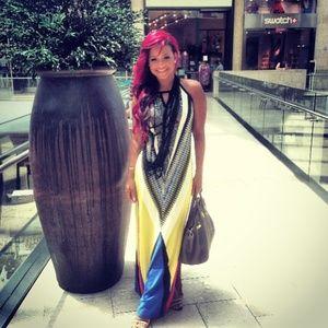 NWT Aztec Dress with peep hole